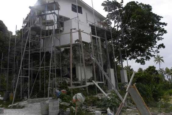 Une maison complètement perchée