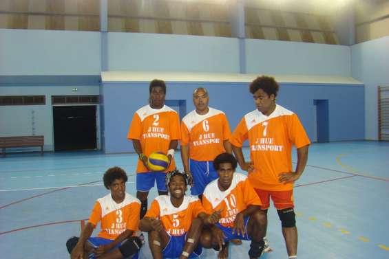 La salle de Hnassé à l'épreuve du volley