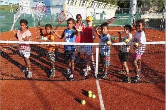 A l'école du tennis