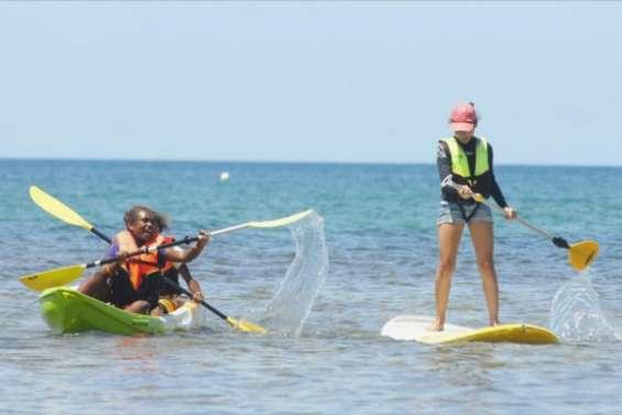 Des activités pieds dans l'eau