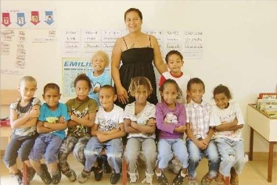 Les photos de ces deux classes de l'école publique sont aussi disponibles