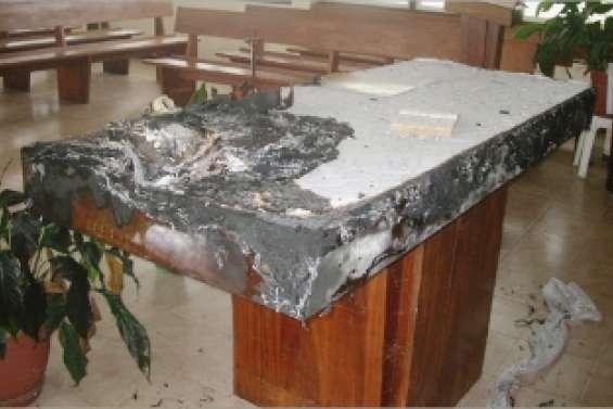 Un autel brûlé au lycée Père-Guéneau