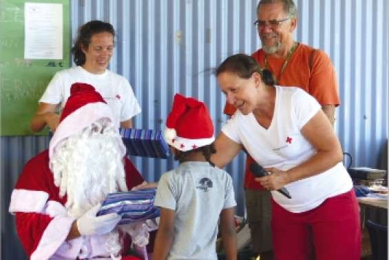 Prendre un père Noël par la main
