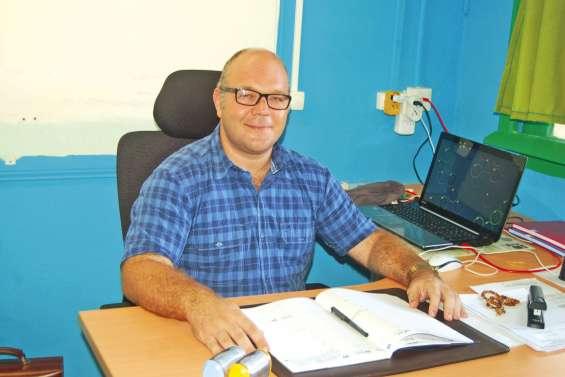 Un nouveau directeur à Téouty