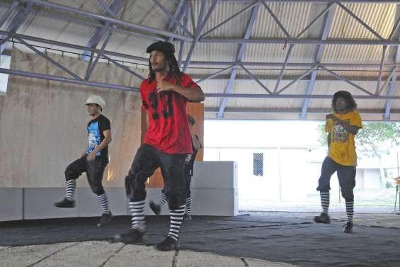 Les lycéens s'initient au hip-hop