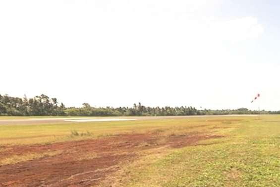Aéroport Hihifo : gare aux cocotiers !