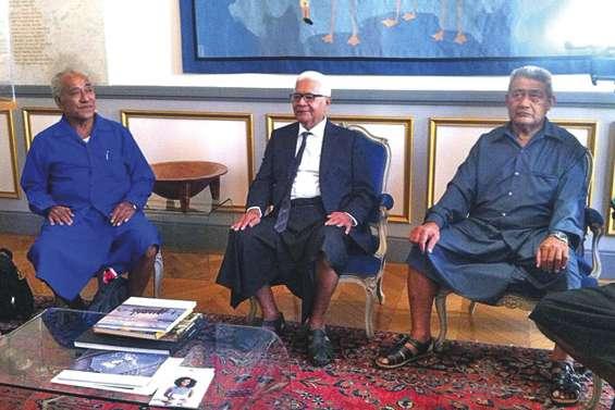 Wallis-et-Futuna  parlent d'avenir à Paris