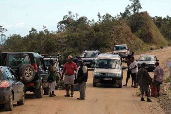 Les usagers du col d'Amos exigent une route digne de ce nom