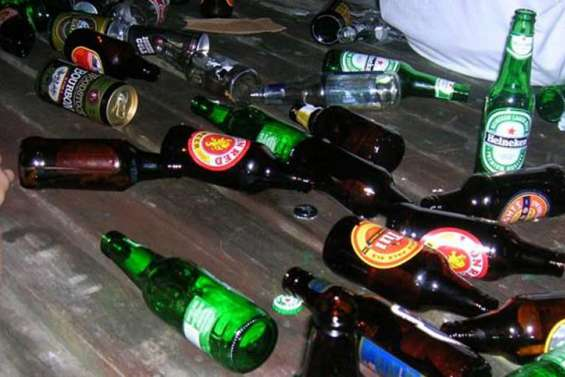 Alcool: un adolescent par jour aux urgences