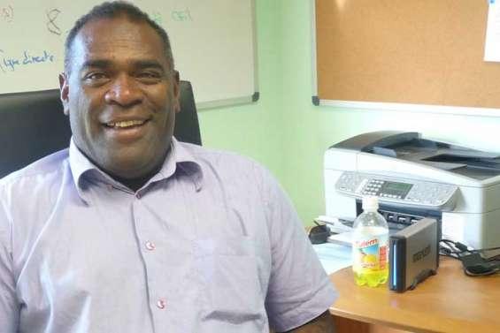 Charles Juni, travailleur indépendant