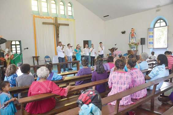Tous en chœur à Touaourou