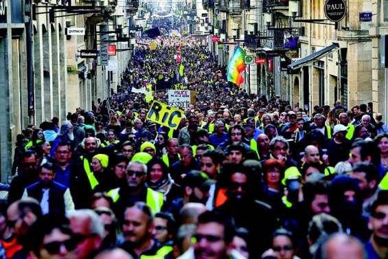 Gilets jaunes : mobilisation en repli, mars sera crucial
