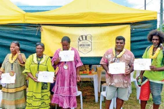 Le rucher pédagogique des Iles a été inauguré