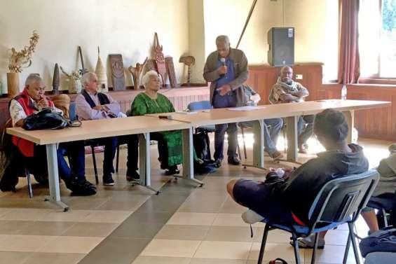 Les Sages à la rencontre des élèves de Do Neva