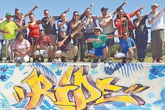 Les jeunes de l'ASH ont donné un coup de peinture au skate-park