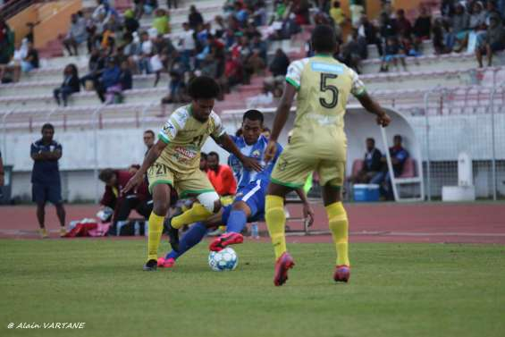 Football : Magenta remporte le choc au sommet