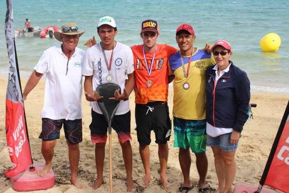Va'a : Titouan Puyo et Marcy Manate champions de longue distance