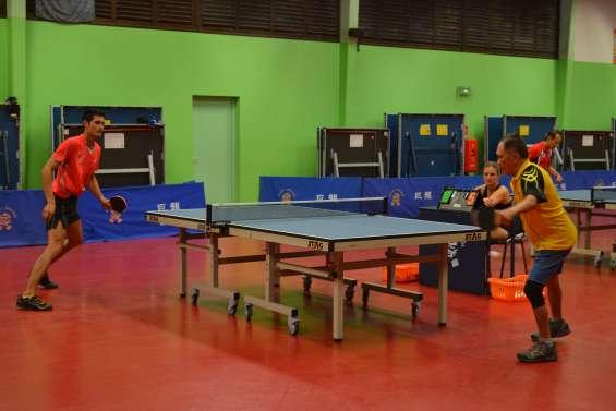 Tennis de table : à 75 ans, Henri Wo joue encore avec les meilleurs