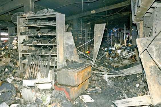 Le dock de l'association de Saint-Vincent-de-Paul ravagé par un incendie