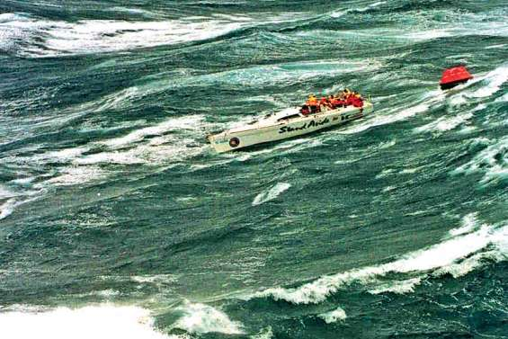 La Sydney-Hobart hantée  par une tempête meurtrière