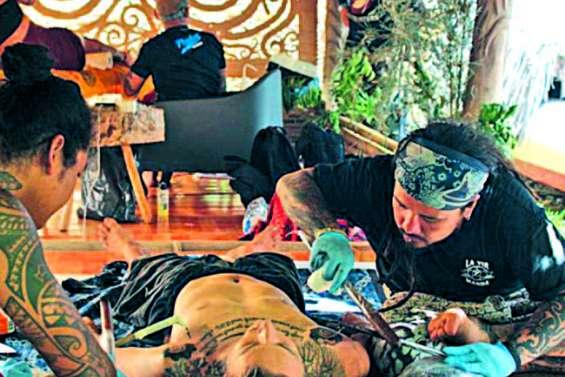 Un festival du tatouage à Moorea
