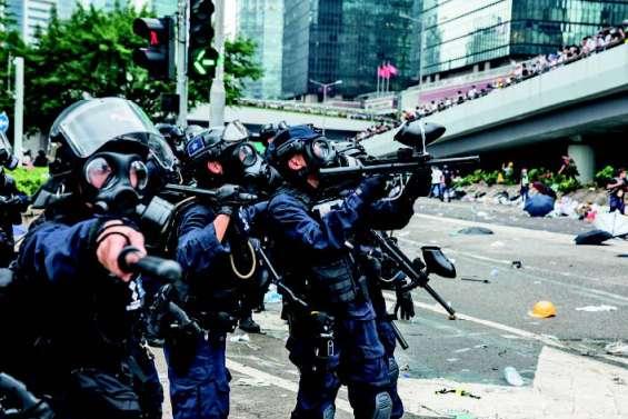 Les tensions ne faiblissent pas à Hong Kong