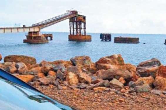 A Thio, le chargement des sites miniers  de la SLN a été fermé