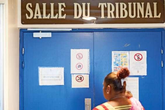 Injures racistes au tribunal : le procès renvoyé à l'année prochaine