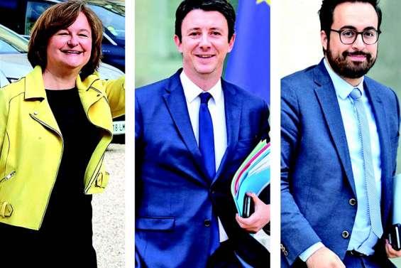 Trois ministres quittent le gouvernement