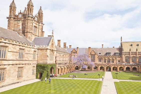 Le coronavirus pourrait coûter des « milliards » aux universités