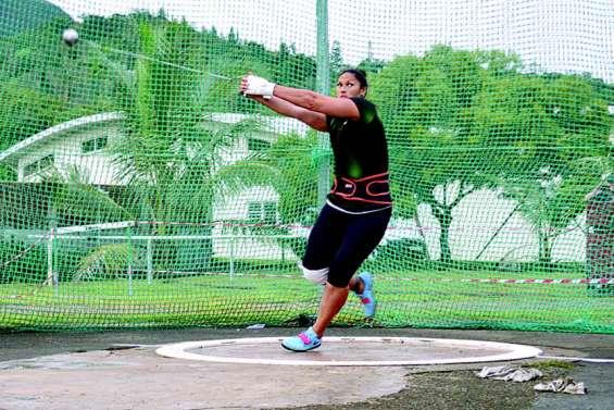 Valerie Adams rayonne à la Coupe des lancers