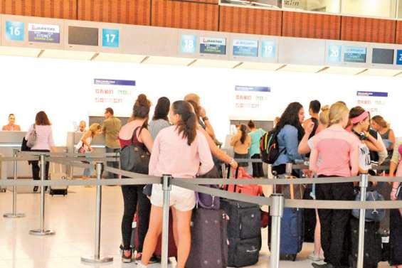 Coronavirus : déplacements sportifs et centres de vacances à l'étranger, mieux vaut annuler ou reporter