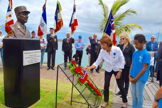 Le buste du général de Gaulle  dévoilé à Nouméa