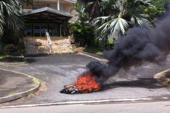 Houaïlou : des habitants de Né Wa mécontents de l'état des routes