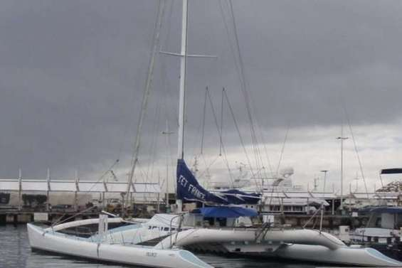 Porté disparu depuis son départ de Nouméa, le catamaran Jet France est arrivé à Papeete