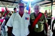 Les bagpipers en visite chez les anciens combattants