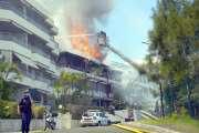 Un immeuble de la Baie-des-Citrons ravagé par les flammes