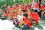 Deux cents enfants initiés à l'harmonie de l'angklung