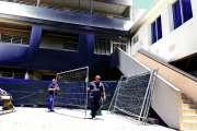 Le collège Sainte-Marie de Païta ravagé par les flammes