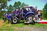 Un tracteur et du matériel agricole pour Saint-Louis