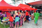 Un marché afro-caraïbes, à Boulari
