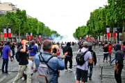Militaires, « gilets jaunes » et supporters, un 14-Juillet varié sur les Champs-Elysées