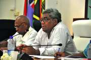 Jacques Lalié insiste sur la création d'un aéroport international de relais à Lifou