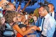 Macron conclut ses congés par un appel à la « réconciliation »