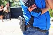 Il propose du cannabis à des policiers en civil