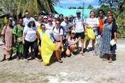 Le Carnival spirit et Mejine Wetr ensemble pour ramasser des déchets