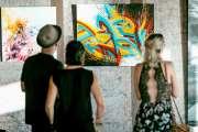 Swed Oner a réalisé une fresque sur un mur de l'hôtel Gondwana