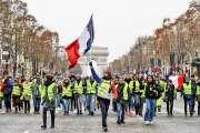 Un an après les « gilets jaunes », rien n'est plus comme avant pour Macron