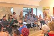 Sonia Lagarde, la candidate, rencontre les électeurs