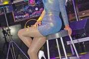 Employé de banque le jour, drag-queen au style pop la nuit